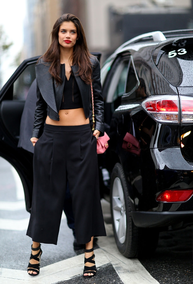 how-to-wear-a-crop-top-outfit-05