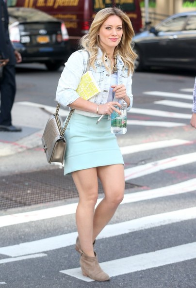 Hilary+Duff+Films+Younger+NYC+9YHOGfGL8Sbl